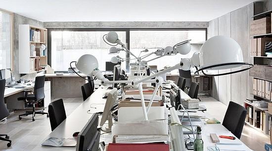 Iluminação na arquitetura corporativa - Desk Lamps - by Ábaton
